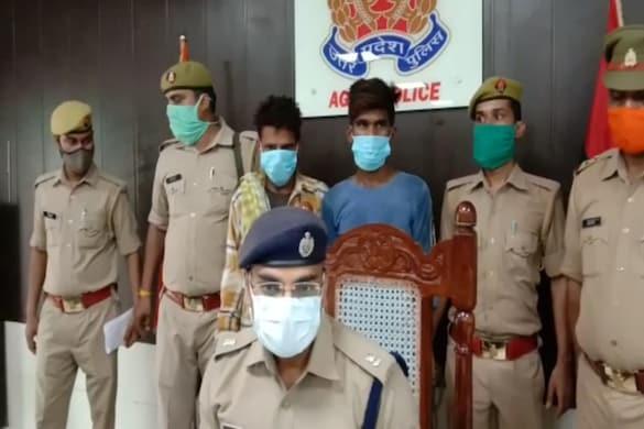 पुलिस ने दो शातिर बदमाशों को चोरी के आऱोप में गिरफ्तार किया है.