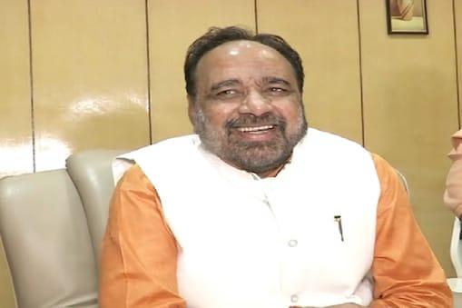 गोपाल भार्गव अपने प्रभार वाले जिले  जबलपुर के दौरे पर थे.