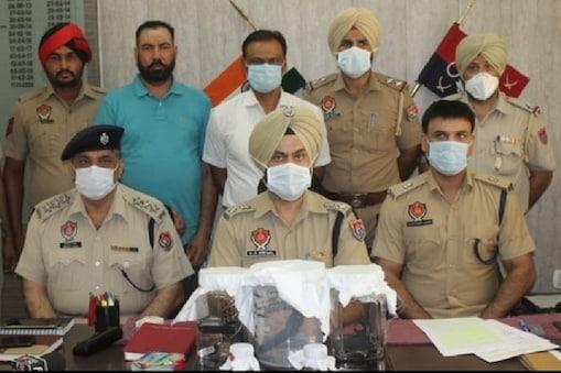 पंजाब पुलिस ने की गिरफ्तारी. (Pic- News18)