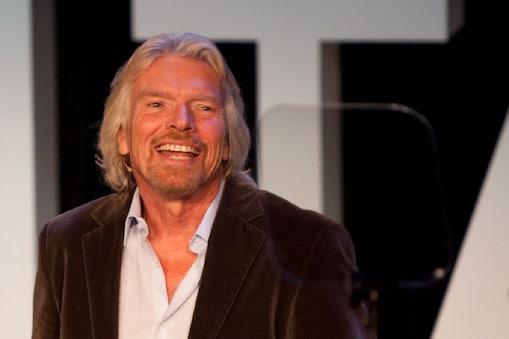 खरबपति रिचर्ड ब्रैनसन (Richard Branson) ने 71 की उम्र में अंतरिक्ष यात्रा की (Photo- flickr)