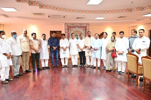 राजस्थान दौरे पर पहुंचे अजय माकन ने विधायकों से चर्चा की
