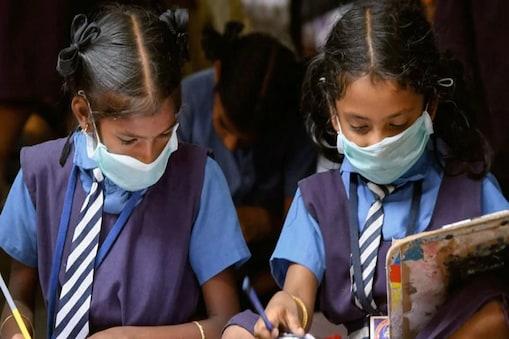 School Reopen: हरियाणा में आज से खुल रहा 9 से 12वीं तक का स्कूल.