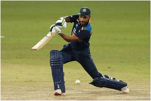 India vs Sri lanka ODI Series: शिखर धवन ने वनडे का 33वां अर्धशतक जड़ा. (AP)