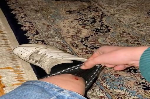 महिला के जूतों में छिपा हुआ था लीच. (Photo Credit- TikTok)