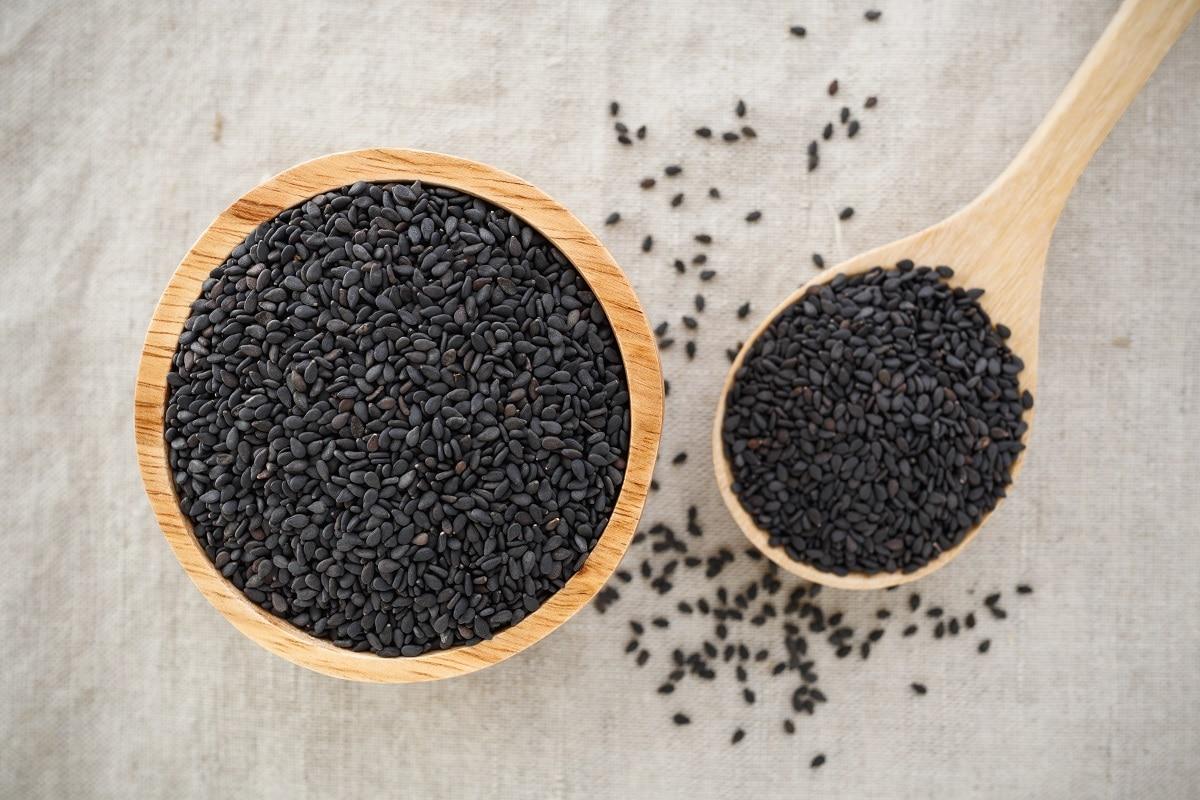health benefits of black til black sesame– News18 Hindi