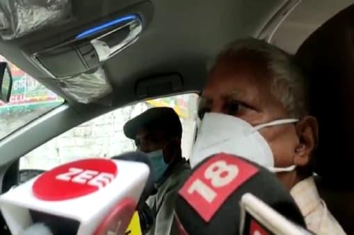 गुरुवार को दिल्ली में मीडिया से बात करते राजद सुप्रीमो लालू प्रसाद यादव