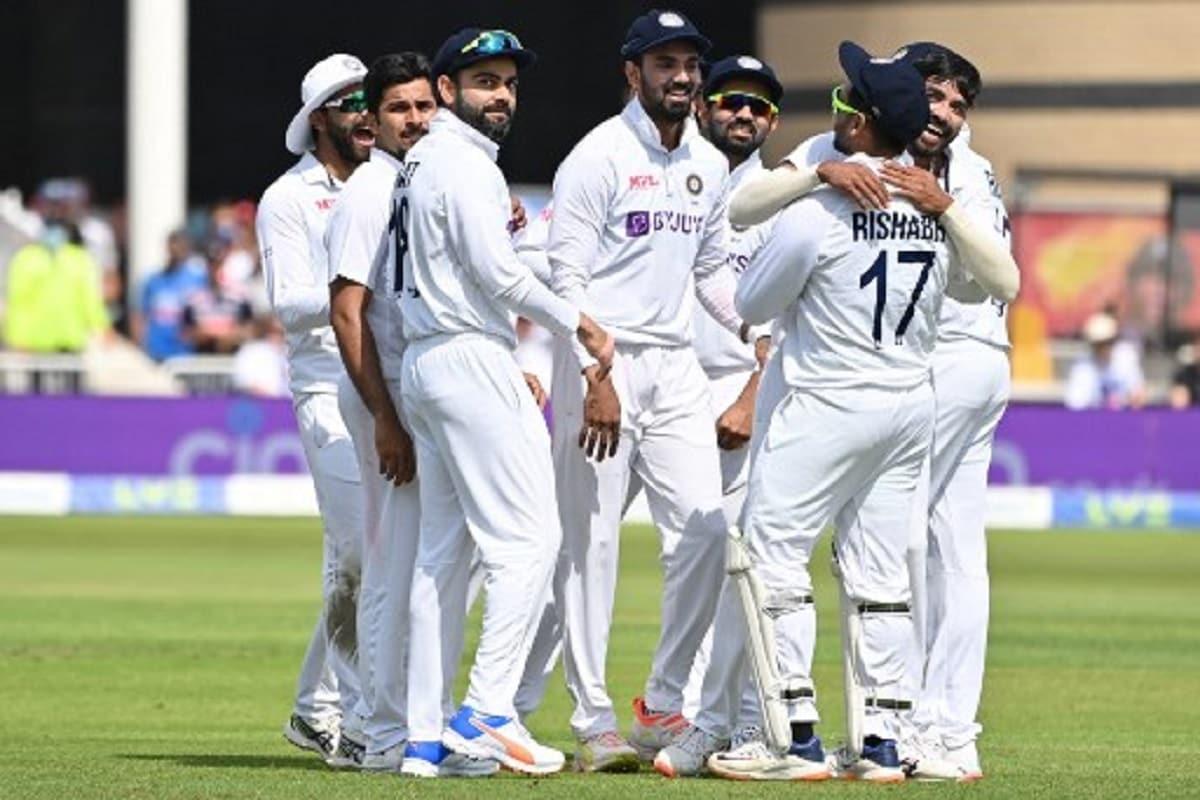 विराट कोहली ने 20वीं बार कोई टेस्ट मैच 150 से ज्यादा रनों से जीता. ये एक वर्ल्ड रिकॉर्ड है. उनसे पहले रिकी पॉन्टिंग ने 150 रनों से 18 टेस्ट मैच जीते थे. (AFP)