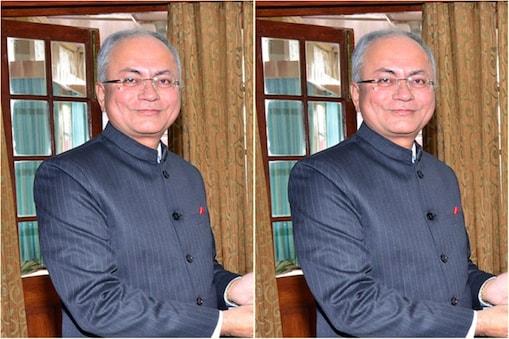 हिमाचल सरकार ने 1986 बैच के आईएएस अधिकारी अनिल कुमार खाची को दिसंबर 2019 में मुख्य सचिव नियुक्त किया था.