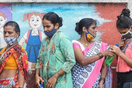 महाराष्ट्र में आज से नए कोरोना नियम लागू हो रहे हैं. (File pic)
