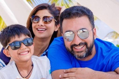 मां शिल्पा शेट्टी और पिता राज कुंद्रा के साथ विवान कुंद्रा.   (photo- @viaanrajkundra/Instagram)