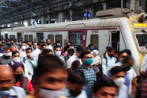 मध्य रेलवे में 15 अगस्त से 22 अगस्त के बीच 53 स्टेशनों से करीब 40 हजार बेटिकट यात्री पकड़े गए. (प्रतीकात्मक)