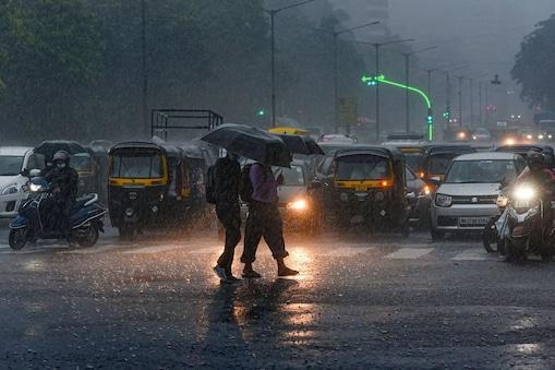 हिमाचल के कई इलाकों में बारिश का अनुमान है. (प्रतीकात्मक तस्वीर: News18 English)
