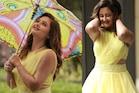 PICS: येलो ड्रेस में कलरफुल छाते के साथ रश्मि देसाई का दिखा नटखट अंदाज, अदाओं पर लट्टू हुए फैंस