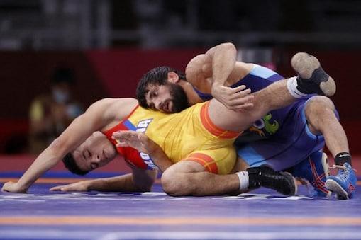 Tokyo Olympica: रवि दहिया टोक्यो ओलंपिक के फाइनल में पहुंचे, सिल्वर मेडल पक्का किया. (फोटो-AP)
