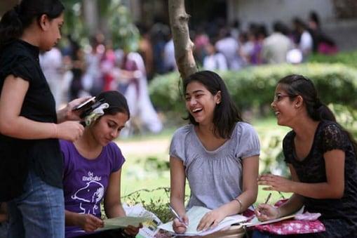 छात्र ये मेरिट लिस्ट (MU 3rd Merit List) मुंबई यूनिवर्सिटी की वेबसाइट के अलावा कॉलेजों की वेबसाइट पर भी देख सकते हैं.