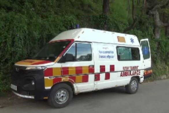 अल्मोड़ा में स्वास्थ्य विभाग की एंबुलेंस सेवा.