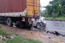 Basti: नेशनल हाइवे पर भीषण सड़क हादसे में 5 की मौत, कन्टेनर में घुसी कार