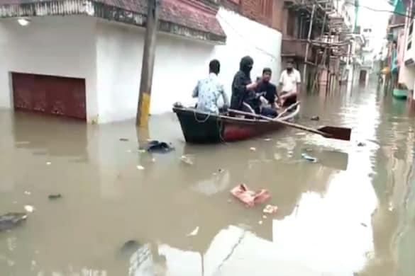 प्रयागराज. उत्तर प्रदेश के कई जिलों के साथ ही संगम नगरी प्रयागराज (Prayagraj) में भी बाढ़ (Flood) का कहर जारी है.
