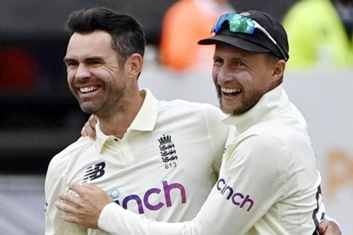 जेम्स एंडरसन ने अब लॉर्ड्स में भारत के खिलाफ 30 विकेट लिए हैं, जिसमें भारत के खिलाफ टेस्ट मैचों में सबसे अधिक है. श्रीलंका के पूर्व ऑफ स्पिनर मुथैया मुरलीधरन ने पहले रिकॉर्ड बनाया था. उन्होंने भारत के खिलाफ कोलंबो में 29 विकेट लिए थे. (PIC: AP)