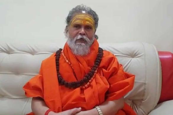 नरेंद्र गिरि के निधन से धर्मनगरी अयोध्या में भी शोक की लहर है. (फाइल फोटो)