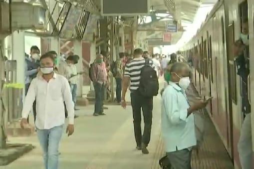 आम लोगों के लिए मुंबई लोकल बंद है. (File pic)
