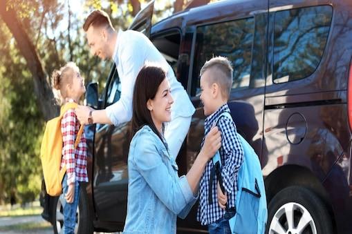 जब बच्चे करें बॉडी शेमिंग तो उन्हें समझाएं.(Image:shutterstock.com)