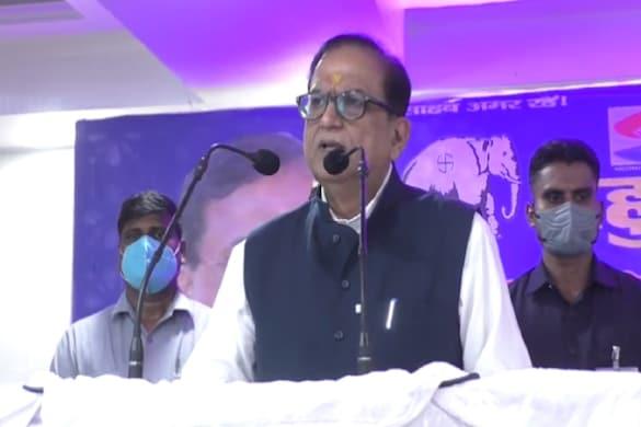 UP: बरेली में बसपा के प्रबुद्ध सम्मेलन के दौरान राष्ट्रीय महासचिव सतीश चन्द्र मिश्रा.