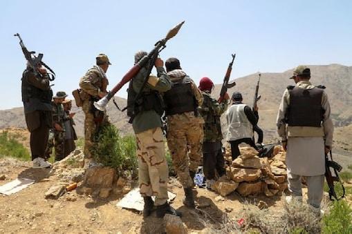 तालिबान ने अफगानिस्तान के 90 फीसदी इलाके पर कब्जा करने का दावा किया है (AP)