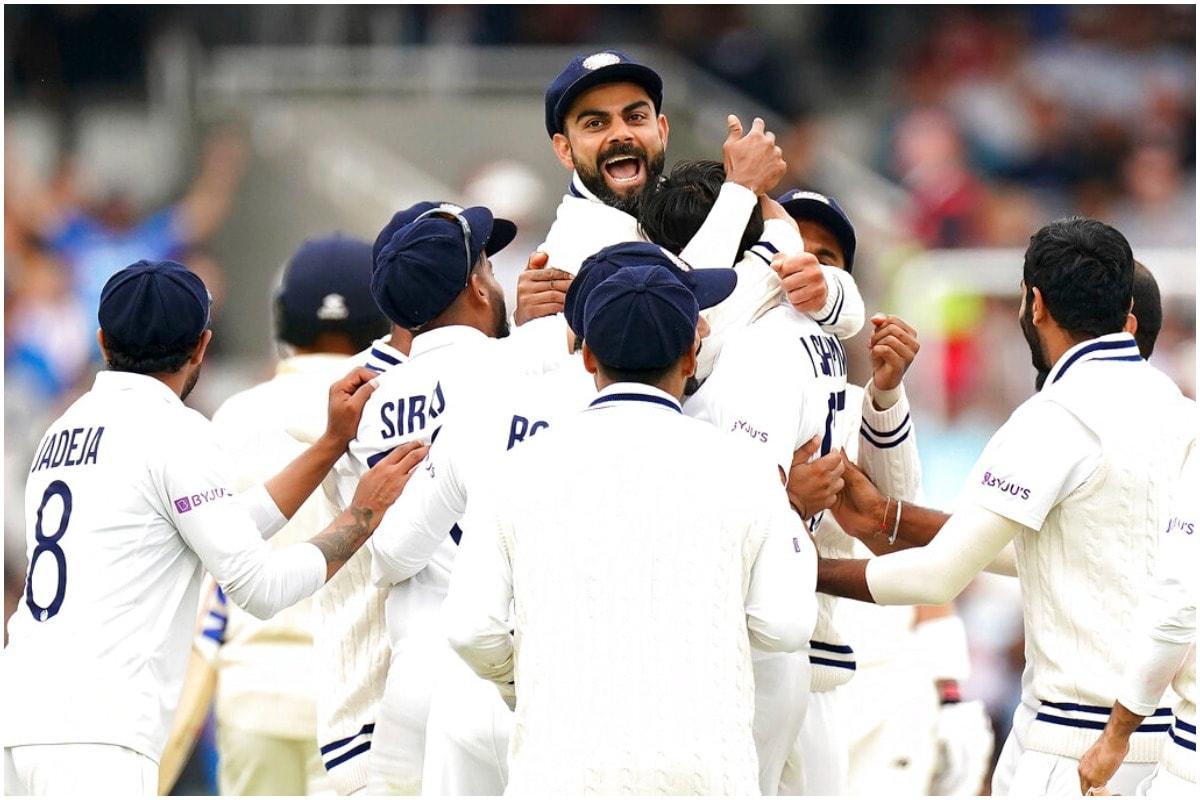 भारतीय कप्तान विराट कोहली ने भी ओवल टेस्ट में बल्लेबाजी से अहम योगदान दिया. पहली पारी में कप्तान ने 50 और दूसरी पारी में 44 रन बनाए. विराट कोहली की बल्लेबाजी से ज्यादा उनकी शानदार कप्तानी ने टीम इंडिया को जीत दिलाई. खासतौर पर दूसरी पारी में विराट कोहली ने जिस तरीके से गेंदबाजों को अटैक पर लगाया वो सच में काबिलेतारीफ है. उन्होंने जडेजा, शार्दुल ठाकुर का सही समय पर इस्तेमाल किया और टीम इंडिया को अहम मौकों पर विकेट मिले. इसके अलावा अपनी बातों से वो गेंदबाजों में हमेशा की तरह जोश भरते दिखे. (AP)