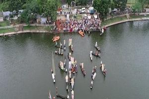 पीएम मोदी का 71वां जन्मदिन: तालाब के बीच 71 नाव, 71 केक, 71 किलो का लड्डू