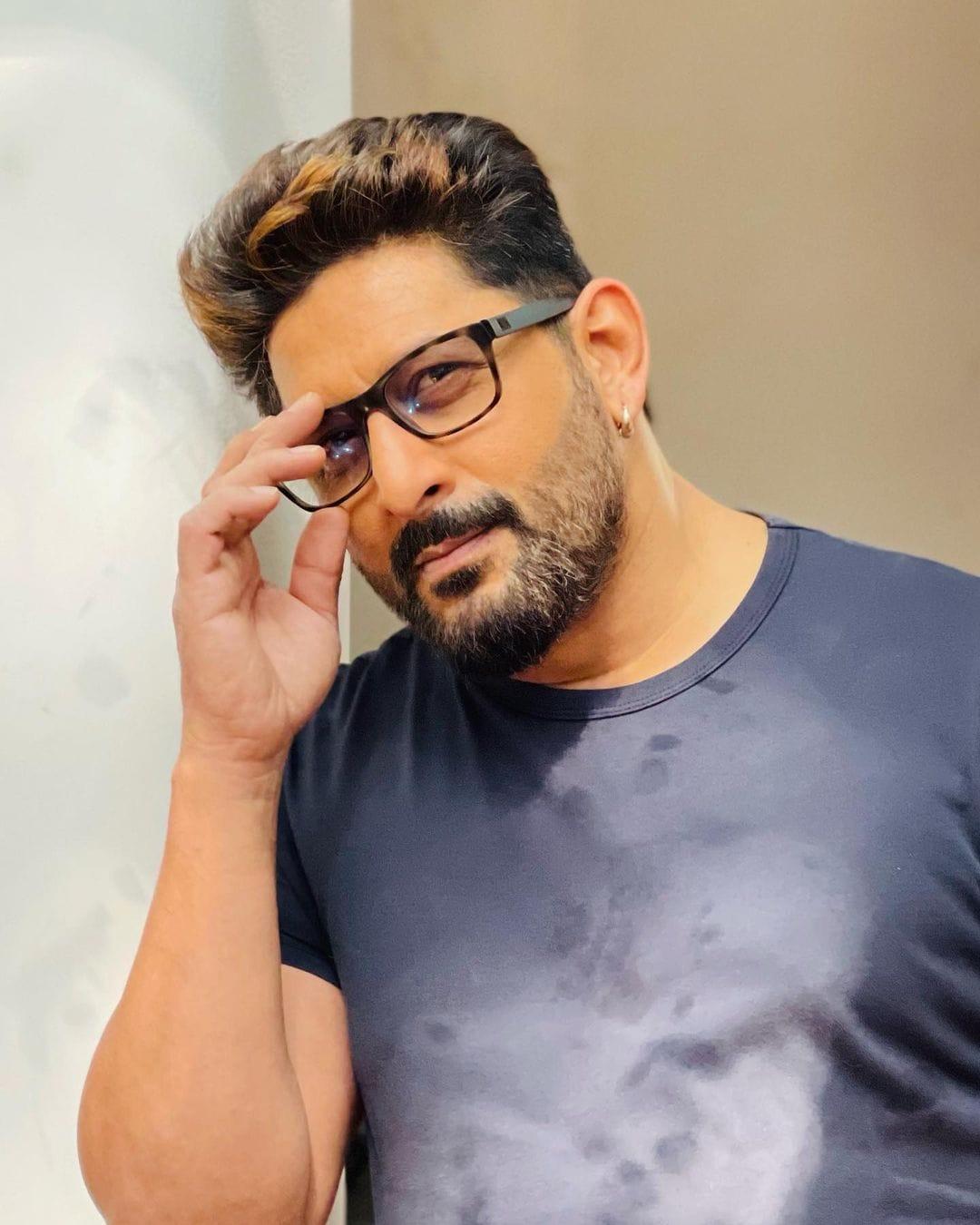 अरशद वारसी अपने कॉमेडी से दर्शकों का खूब मनोरंजन करते हैं. यूं तो उन्होंने कई फिल्में की हैं लेकिन संजय दत्त के साथ आई फिल्म 'मुन्नाभाई एमबीबीएस' से असली पहचान मिली. (फोटो साभार: arshad_warsi/Instagram)