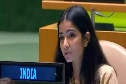 IFS Sneha Dubey: यूएन में पाकिस्तानी पीएम इमरान खान को करारा जवाब देने वाली अधिकारी स्नेहा दुबे का जन्म जमशेदपुर में हुआ था.