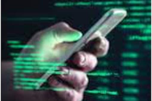 साइबर ठगी के मामले में दिल्ली पुलिस ने दो आरोपियों को गिरफ्तार किया है.