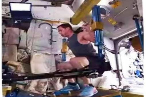 वीडियो में अंतरिक्ष यात्री Thomas Pesquet इंटरनेशन स्पेस स्टेशन (International Space Station) में वर्कआउट करते हुए नज़र आ रहे हैं.