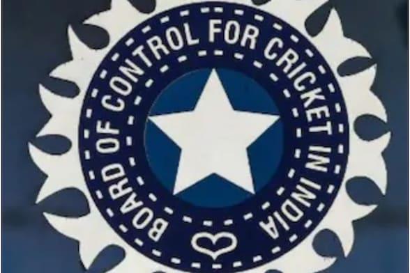 बीसीसीआई ने भारतीय टीम के मुख्य कोच सहित 5 पदों के लिए मांगे आवेदन