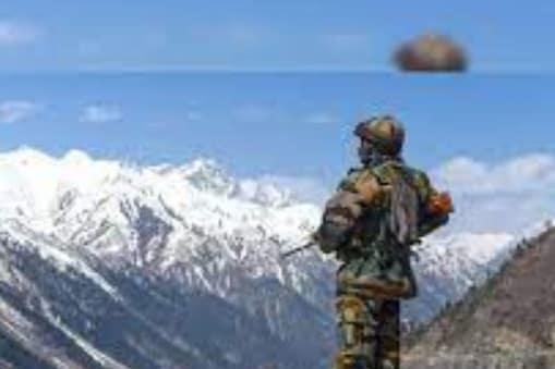 सर्दी से बचने के लिए कम से कम दस गैरिसन तैयार किए हैं.(सीमा पर तैनात भारतीय सैनिक)