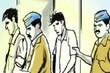 विजय विहार इलाके में अतिक्रमण हटाने गई एमसीडी और पुलिस टीम पर बाप बेटे ने जानलेवा हमला कर दिया. (Delhi Police/twitter )