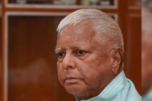 लालू प्रसाद यादव ने केंद्र सरकार को पिछड़ा विरोधी बताया.