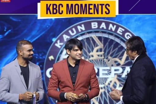 केबीसी में शुक्रवार के एपिसोड में अमिताभ बच्चन के साथ बात करते पीआर श्रीजेश और नीरज चोपड़ा. (Photo @sonytvofficial/Instagram)