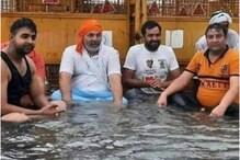बारिश से Delhi-NCR तरबतर, UP-गाजीपुर बॉर्डर पर राकेश टिकैत ने ऐसे दिया धरना