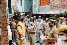 गाजियाबाद की खोड़ा कॉलोनी में 120 पुलिसकर्मियों की छापेमारी, 22 हिरासत में