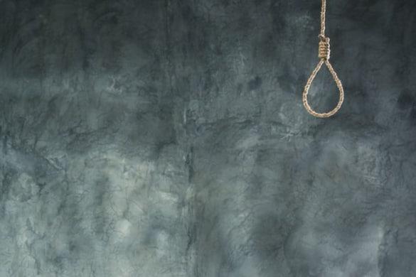 उन्होंने बताया कि थाना फेस-2 क्षेत्र में रहने वाली 19 वर्षीय युवती ने मानसिक तनाव के चलते पंखे से फंदा लगाकर आत्महत्या कर ली.(सांकेतिक तस्वीर: Shutterstock)