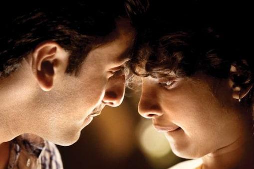 प्रियंका चोपड़ा और रणबीर कपूर की  फिल्म'बर्फी' के 9 साल पूरे. (फोटो साभार: Movies N Memories/Instagram)