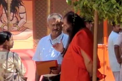 Prayagraj News: महंत नरेंद्र गिरि मौत मामले में CBI पहुंची बाघंबरी मठ