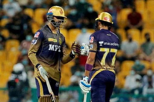 आरसीबी के खिलाफ केकेआर की सलामी जोड़ी वेंकटेश अय्यर और शुभमन गिल (PC: PTI)