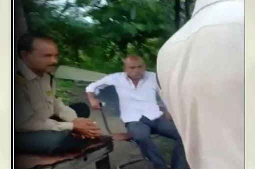 मारपीट करने वाले आरोपियों के खिलाफ पुलिस ने मामला दर्ज कर लिया है.