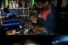 अलीगढ़:बाइक सवार से विवाद था और आपस में भिड़ गए ई रिक्शा चालक, See Video