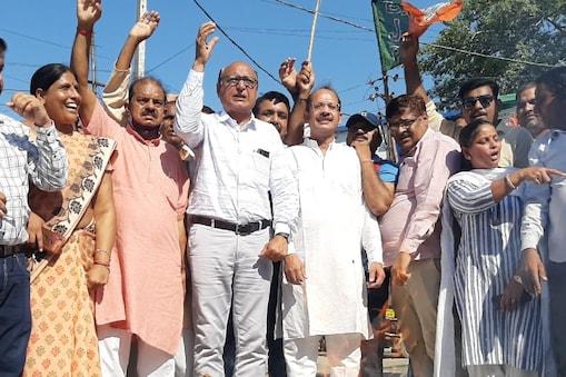 किसान आंदोलन पर पंजाब सीएम कैप्टन अमरिंदर सिंह के बयान पर सियासत तेज हो गई है.