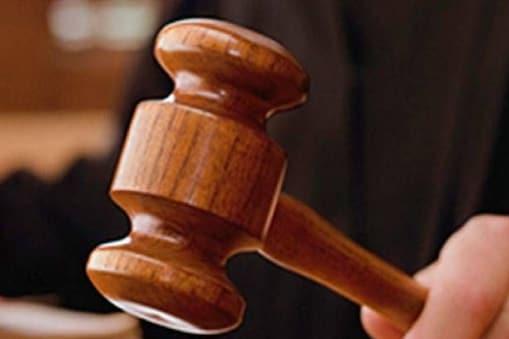 तमिलनाडु ऑनर किलिंग मामले में एक को मौत की सजा और 12 लोगों को उम्रकैद की सजा दी है.
