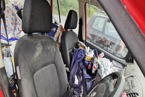गैराज में सफाई के लिए पहुंचे इस गंदे कार की तस्वीर वायरल हो रही है (इमेज- फेसबुक)